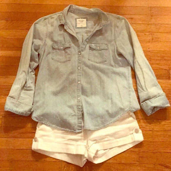 76d523fa465 Abercrombie   Fitch Tops - Light wash denim shirt